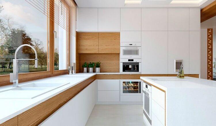 белая кухня в интерьере кухни на фото