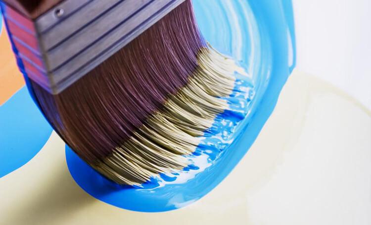 Краска в баллончиках для дерева: типы, акриловые, алкидные составы и нитроэмали, особенности нанесения