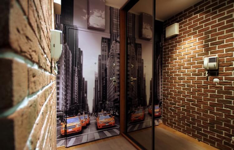 Обои в прихожей «под кирпич» (31 фото): варианты дизайна с кирпичиками в коридоре