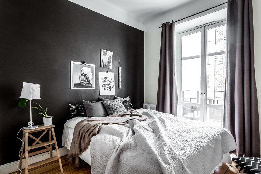 черная стена спальни