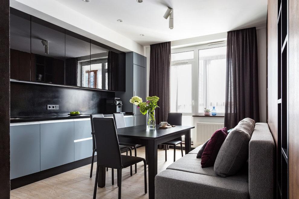 дизайн кухни 10 кв метров с окном и балконом
